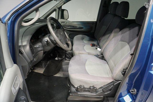 Hyundai H-1 13