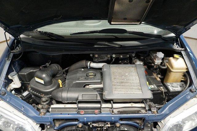Hyundai H-1 18
