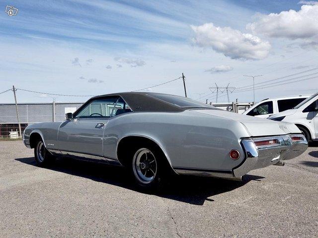 Buick Riviera 9