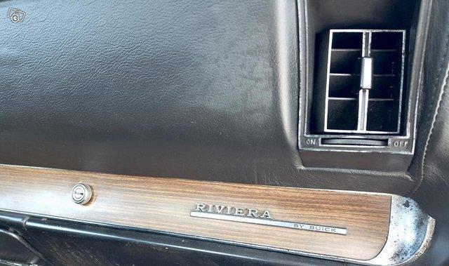 Buick Riviera 16