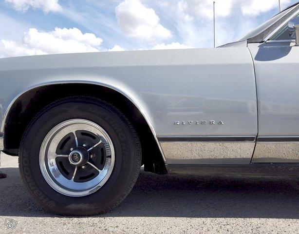 Buick Riviera 23