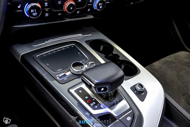 Audi Q7 22