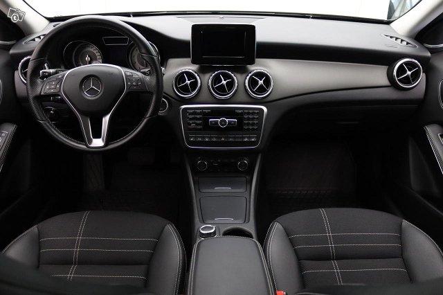 Mercedes-Benz GLA 4