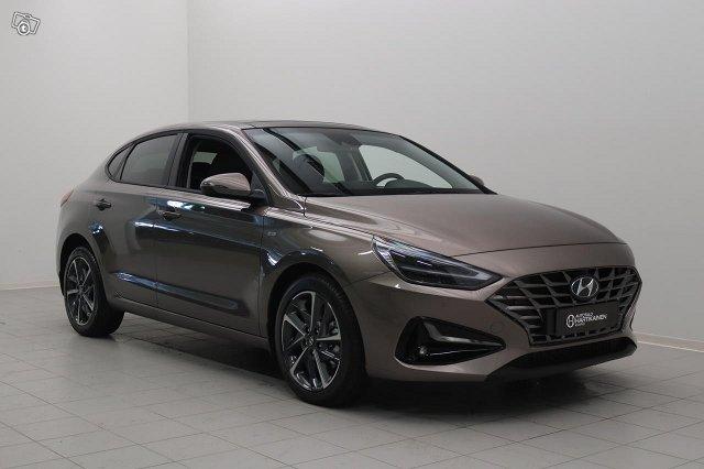 Hyundai I30 FASTBACK 1