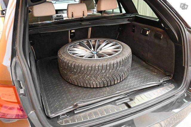 BMW 525 9