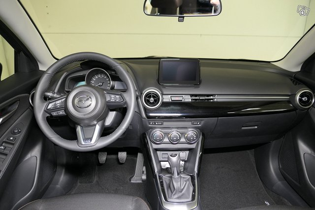 Mazda Mazda2 9