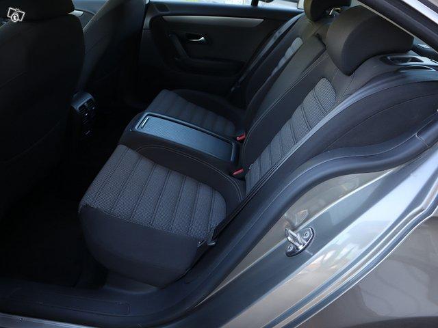 Volkswagen Passat CC 11