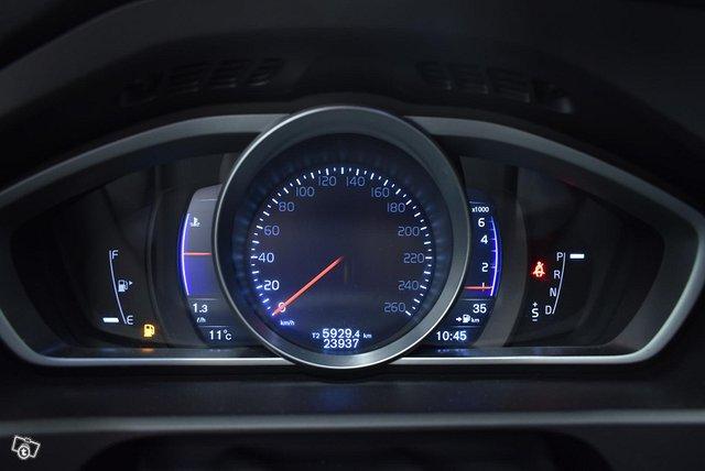 Volvo V40 15