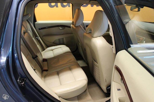 Volvo XC70 13