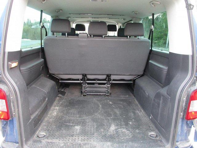 Volkswagen Caravelle 11