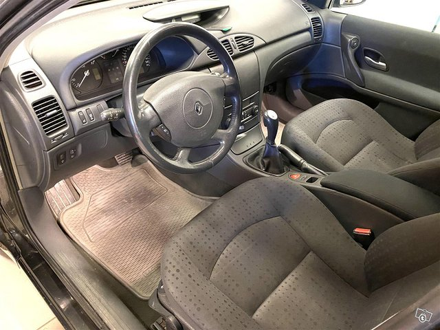 Renault Laguna 10