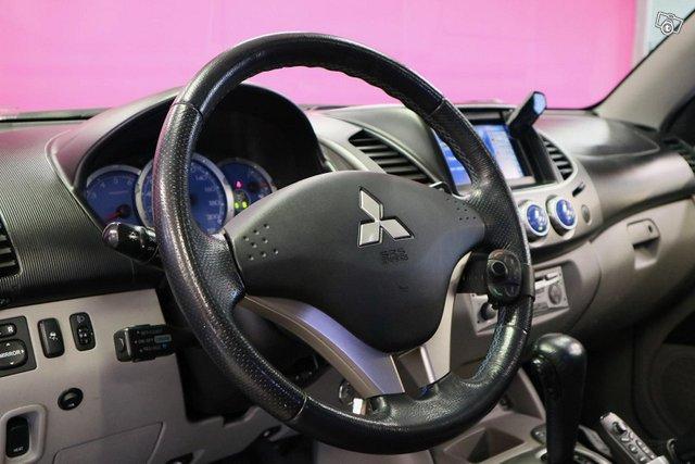Mitsubishi L200 13