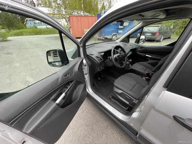 Ford Grand Tourneo Connect 9