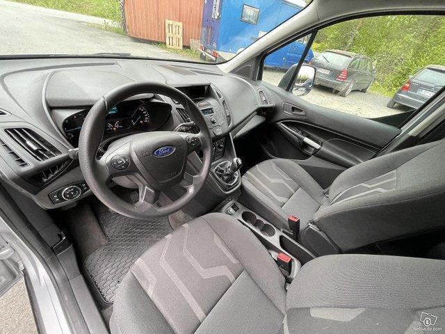 Ford Grand Tourneo Connect 11