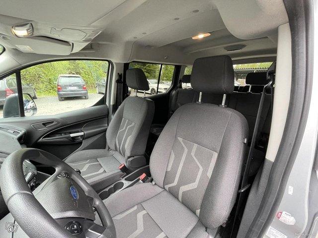 Ford Grand Tourneo Connect 12