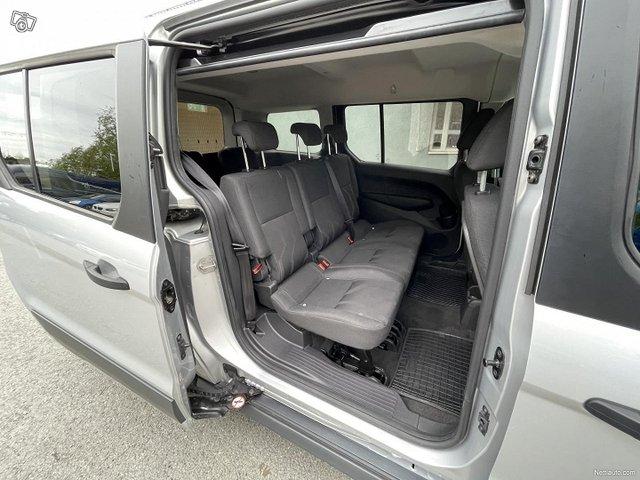 Ford Grand Tourneo Connect 16