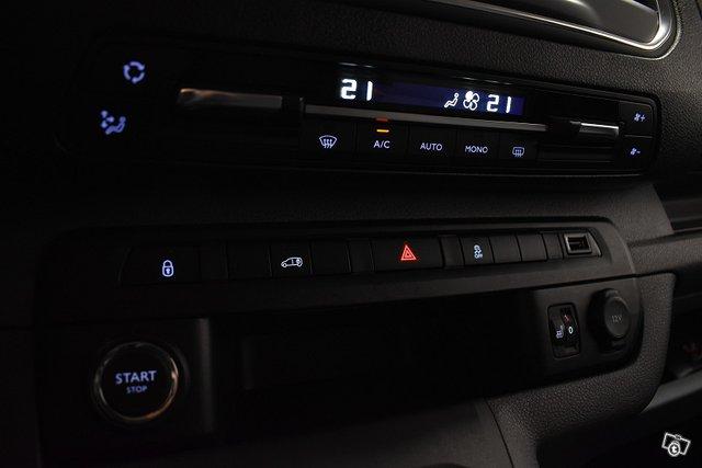 Toyota Proace 23