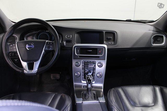 Volvo V60 12