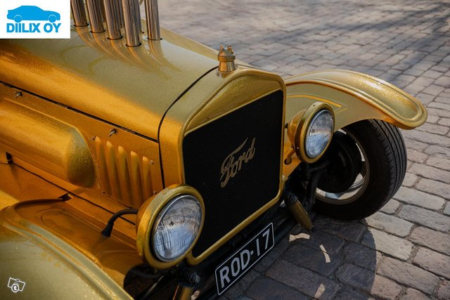 Ford Custom 3
