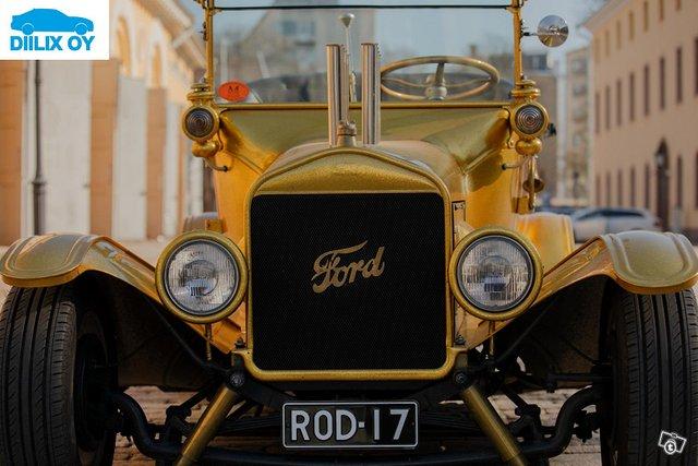 Ford Custom 4