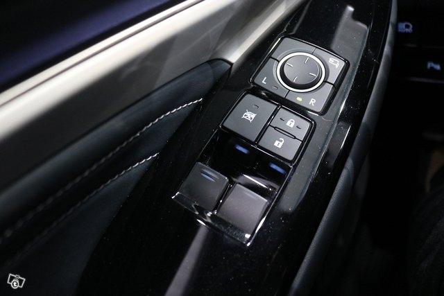 Lexus RC 17