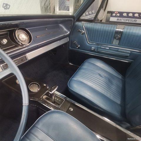Chevrolet Impala 21