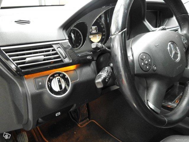 Mercedes-Benz 350 7