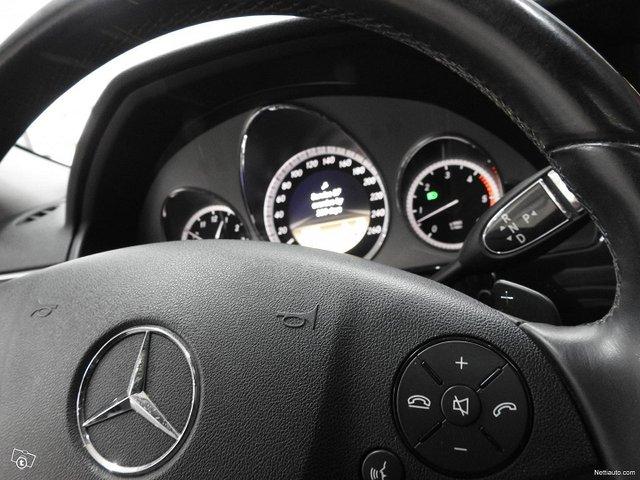 Mercedes-Benz 350 11