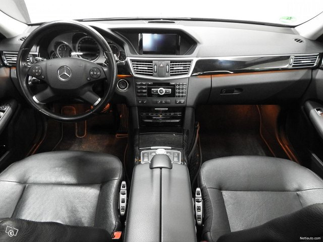 Mercedes-Benz 350 13