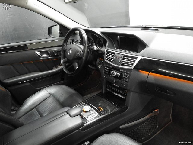 Mercedes-Benz 350 16