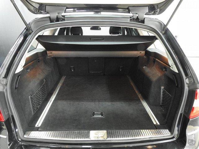 Mercedes-Benz 350 25