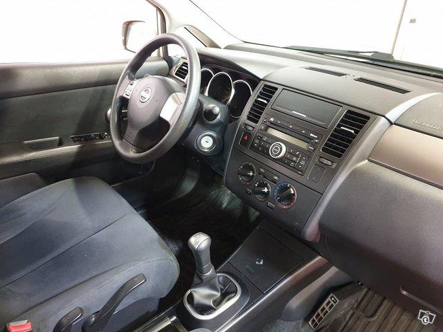 Nissan Tiida 12