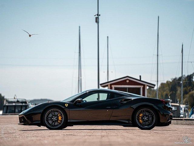 Ferrari 488 2