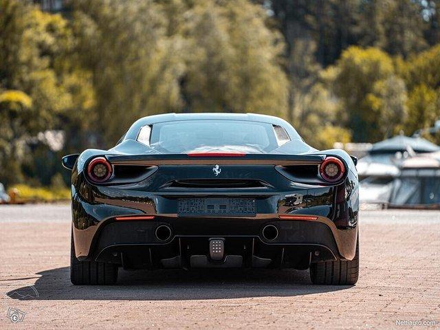 Ferrari 488 7