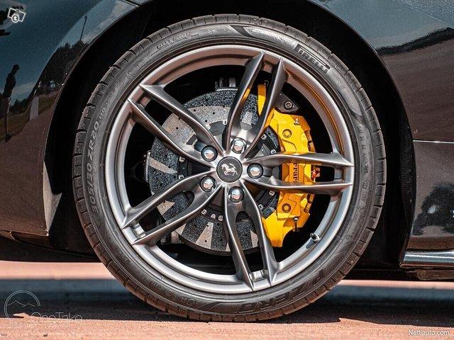 Ferrari 488 8