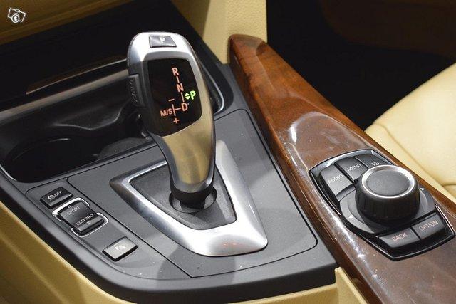 BMW 330 12