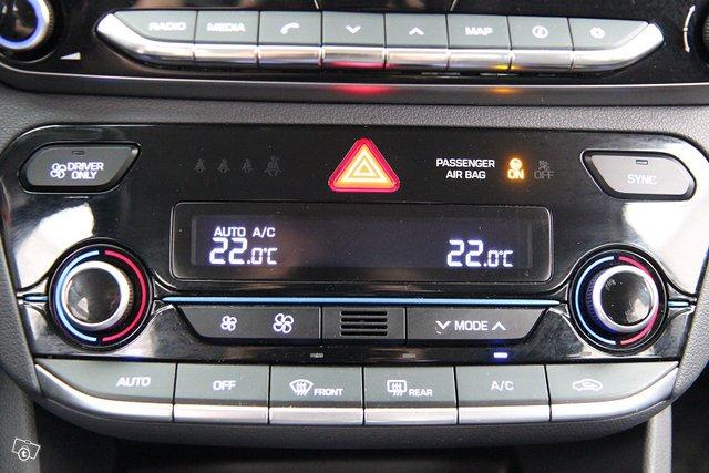 Hyundai IONIQ HYBRID 18