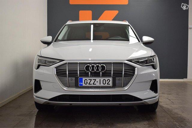 Audi E-tron 15