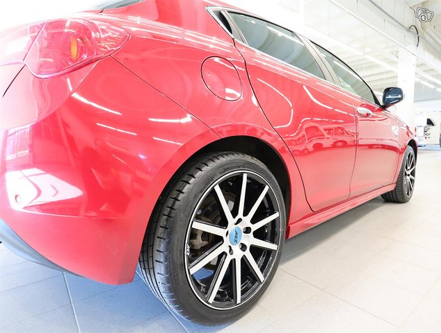 Alfa Romeo Giulietta 12