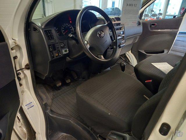 Toyota Hiace 9