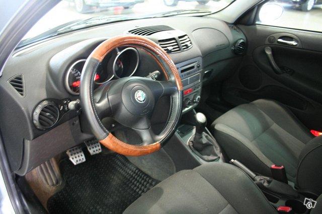 Alfa Romeo 147 5