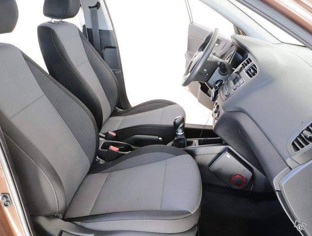 Hyundai I20 Hatchback 10