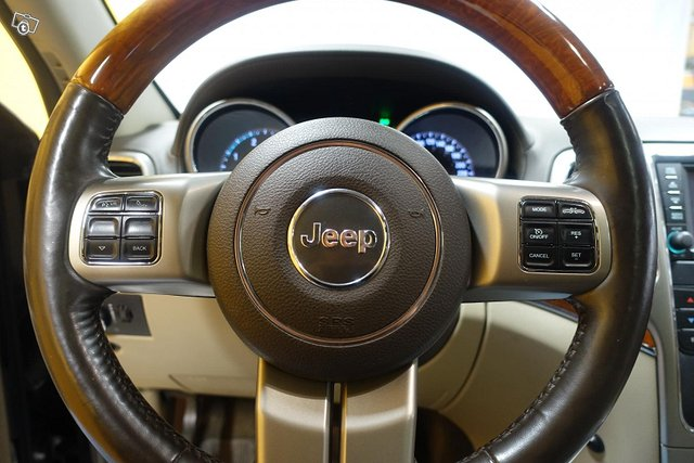 Jeep Grand Cherokee 11