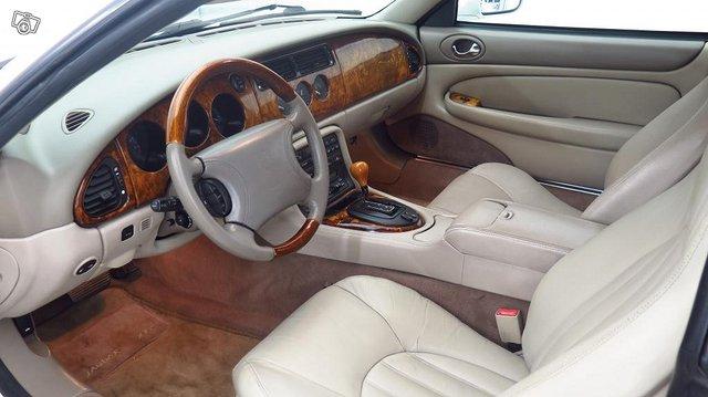Jaguar XK 5