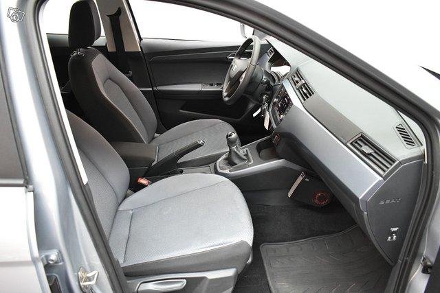 SEAT Arona 12