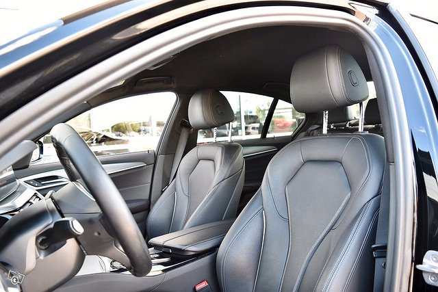 BMW 530e 3