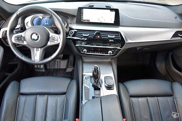 BMW 530e 5