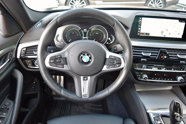 BMW 530e 6
