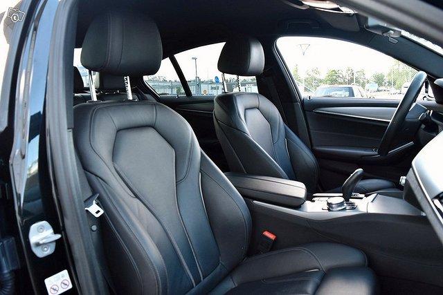 BMW 530e 14