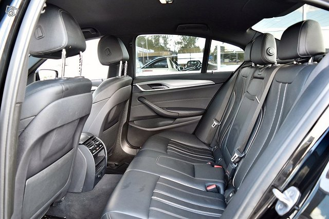 BMW 530e 15